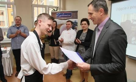 Paweł Sala z kieleckiego ZSPS zajął trzecie miejsce w konkursie. Przygotował grillowany comber jagnięcy z sosem na bazie trufli.
