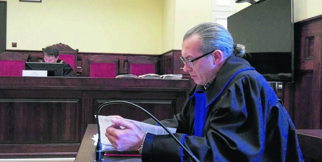 Radca prawny Tomasz Hajduczenia twierdzi, że istnieje dowód, który może przyczynić się do uniewinnienia Andrzeja O. od nakłaniania do podpalenia aut,