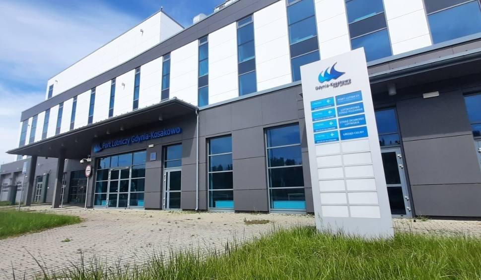Film do artykułu: Kosakowo kupiło lotnisko Gdynia-Kosakowo za ponad 7 mln zł! Ma pomysły na zagospodarowanie, ale na efekty trzeba będzie poczekać do jesieni
