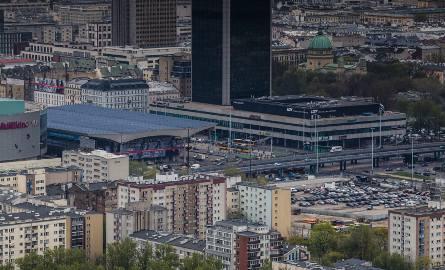 Ewakuacja Dworca Centralnego w Warszawie. Zawiniła pozostawiona bez opieki reklamówka