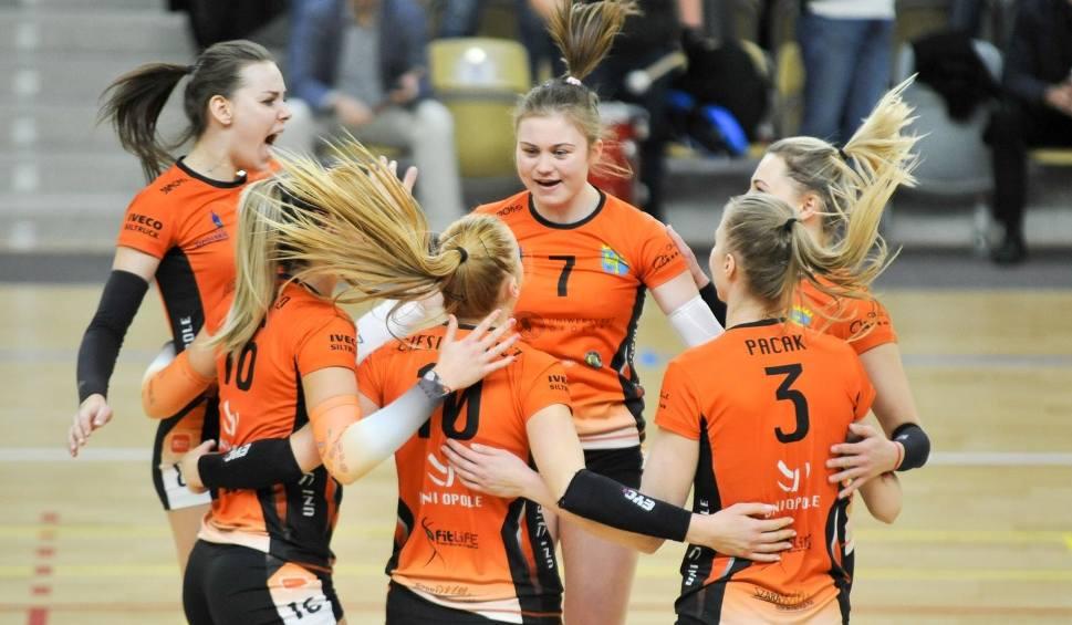Film do artykułu: Uni Opole gra znowu, a Stal Nysa i Mickiewicz Kluczbork wracają do gry