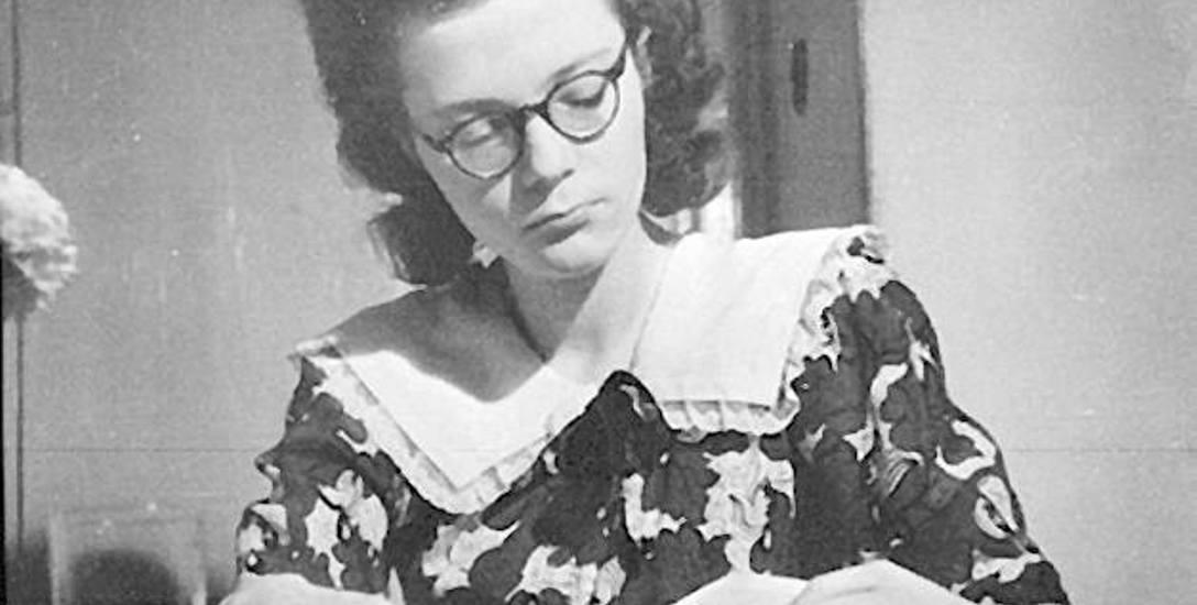 Na zdjęciu Wiesława Grzegorzewska, jedna ze spikerek Radia Majdanek. Jej fotografia jest prawdopodobnie powojenna