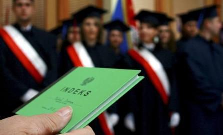 Edukacja w Łódzkiem. Niż zamyka szkoły wyższe