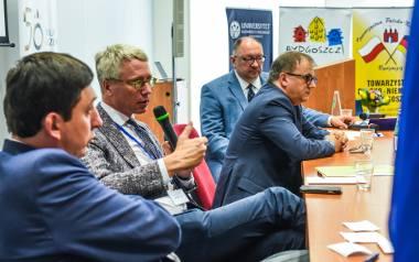 Od lewej strony: prof. Marek Kornat z Instytutu Historycznego PAN, dr Peter Loew, prof. Milos Reznik i prof. Jan Rydel