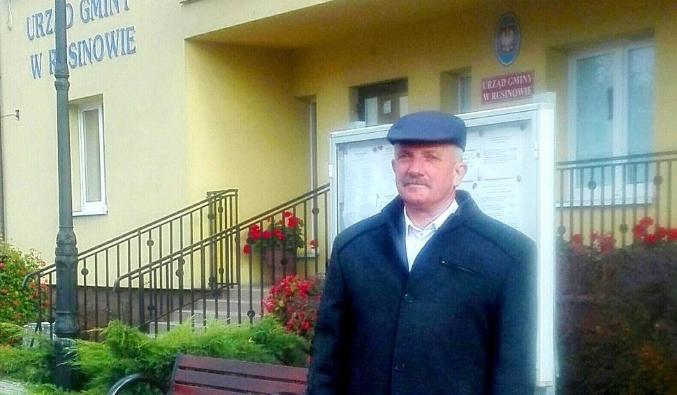 Film do artykułu: Zwolniony przez wójta Rusinowa wraca po wyborach jako wójt i... sam siebie bedzie przywracał do pracy