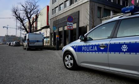 Alarm bombowy w Urzędzie Marszałkowskim w Łodzi. Urzędnicy ewakuowani