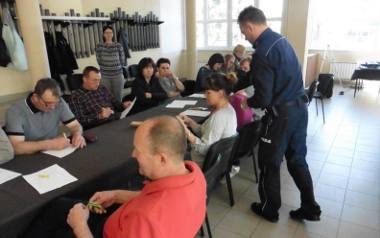 Urzędnicy wraz z policjantami przeprowadzili konsultacje społeczne z mieszkańcami. Ci zaś wyrazili poparcie dla przywrócenia posterunku w Grucie