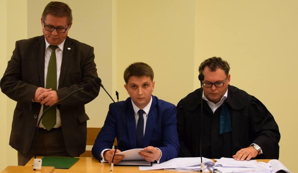 Film do artykułu: Drugi proces wyborczy PO kontra PiS w Radomiu. Radny musi sprostować nieprawdę i przeprosić Konrada Frysztaka, a kandydat tylko sprostować