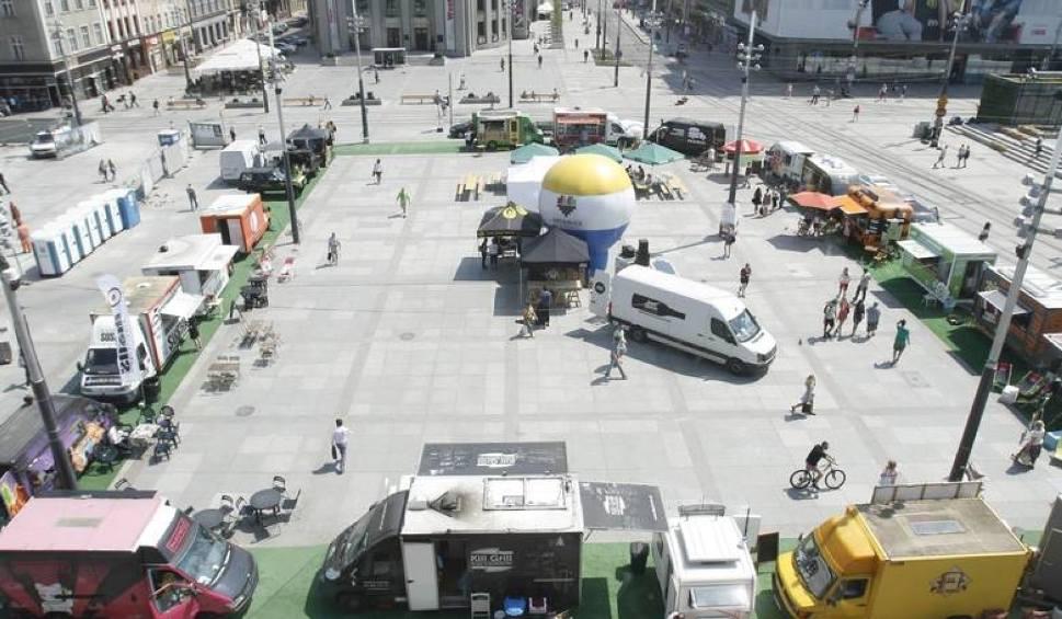 Film do artykułu: Katowice: w piątek startuje ostatni w tym roku zlot food trucków