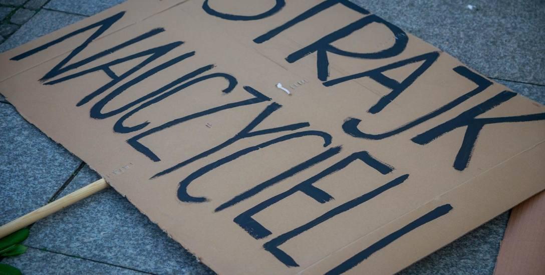 Strajk nauczycieli 2019: na razie nic nie jest przesądzone. Pewne jest, że w nowym roku szkolnym 2019/2020, który rozpocznie się już 2 września, rozpocznie