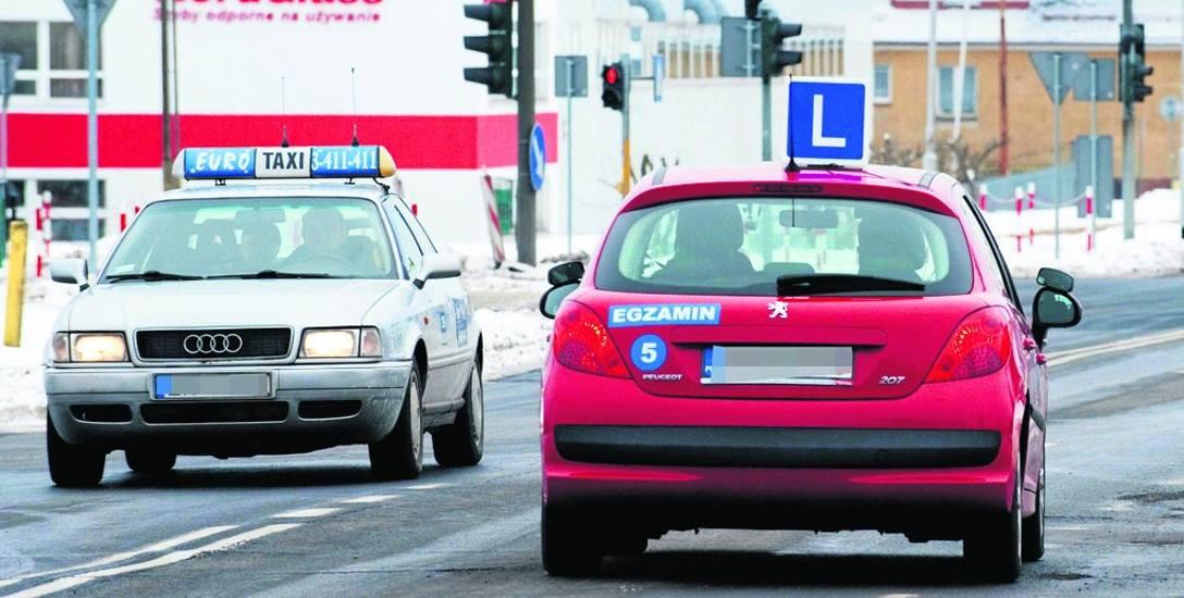 Specjaliści przewidują, że dużo osób zdecyduje się na zdawanie egzaminu na prawo jazdy w najbliższych miesiącach, aby uniknąć okresu próbnego.