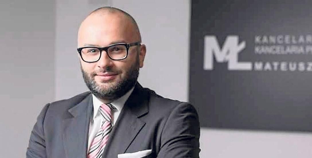 Adwokat Mateusz Łątkowski pochodzi z Włocławka, a prawo kończył na UMK w Toruniu