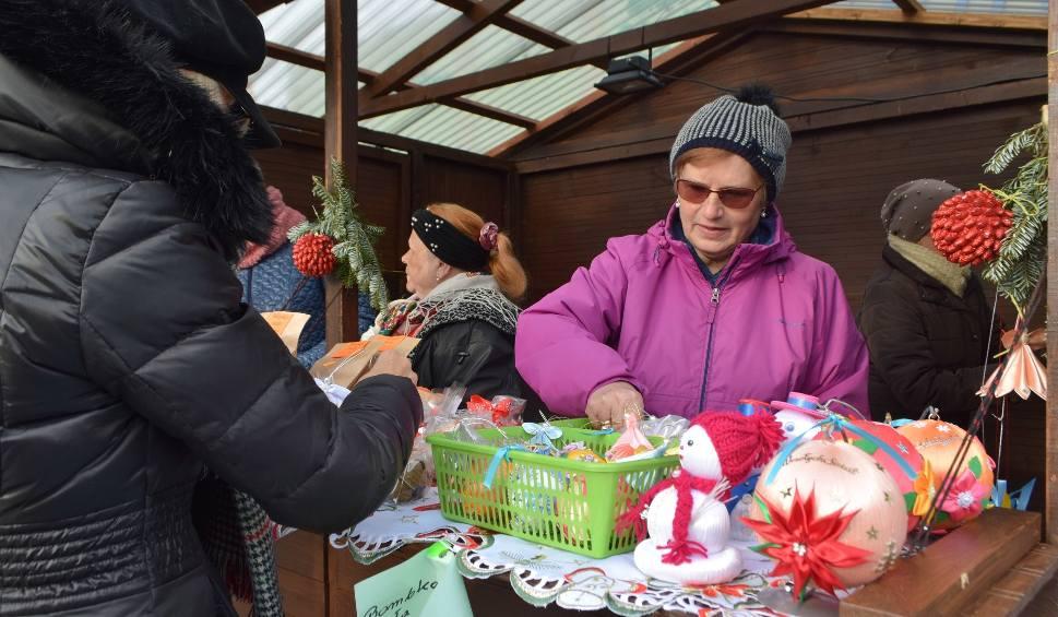 Film do artykułu: Pachnące pierniki i nie tylko. Zobacz, co kupisz na Jarmarku Bożonarodzeniowym w Jastrzębiu-Zdroju ZDJĘCIA