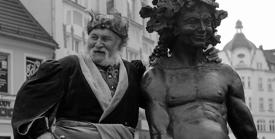 Mieszkańcy Zielonej Górzy często mogli spotkać Zdzisława Piotrowskiego na miejskiej starówce