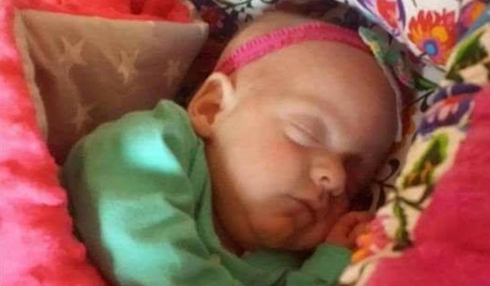 Gmina Szydłowiec. Mała wojowniczka Hania dzielnie walczy z chorobami. Możemy jej pomóc