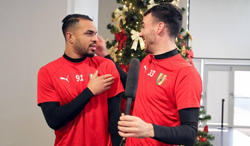 Film do artykułu: Zagraniczni piłkarze Korony Kielce składają życzenia w swoich językach i po polsku. To warto zobaczyć! [WYJĄTKOWE WIDEO, ZDJĘCIA]