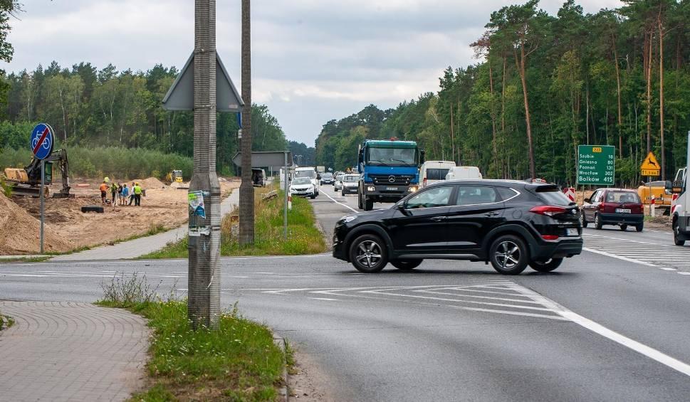 Film do artykułu: Budowa ronda na trasie Bydgoszcz - Białe Błota. Uwaga - zmiany w ruchu