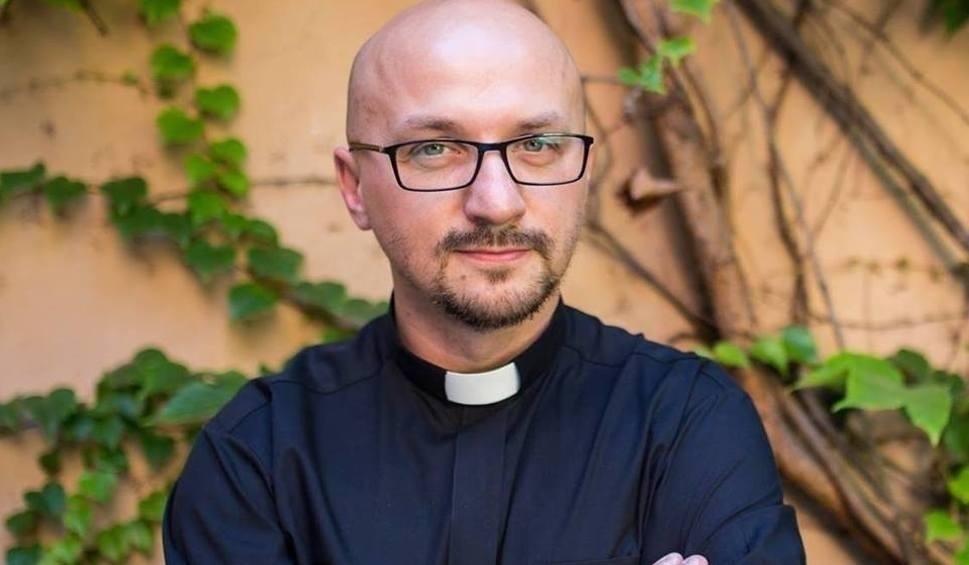 Film do artykułu: Ojciec Grzegorz Kramer: ten film nie jest atakiem na Kościół. Pokazuje fakty, a z nimi się nie dyskutuje
