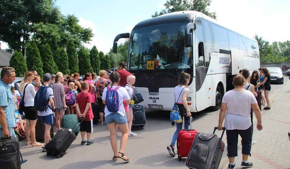 Film do artykułu: Dzieci i młodzież z powiatu przysuskiego wyjechały na bezpłatny wypoczynek. Sędzą czas z harcerzami