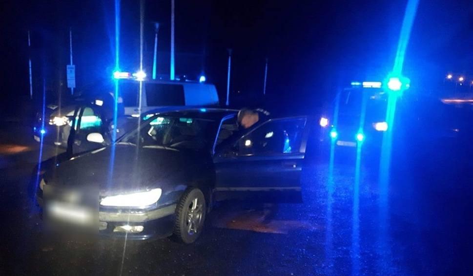 Film do artykułu: Pijany kierowca próbował staranować radiowóz. Policjanci oddali strzały [ZDJĘCIA]