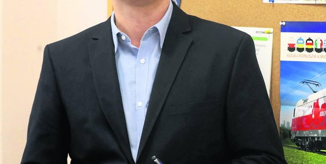 Dr. inż. Krystian Pietrzak  w latach 2014-2015 brał udział w realizacji Studium Wykonalności SKM