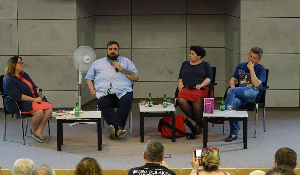 Film do artykułu: Szczecin. Dyskutowali o problemie pedofilii. Wśród gości był Tomasz Sekielski [ZDJĘCIA, FILM]
