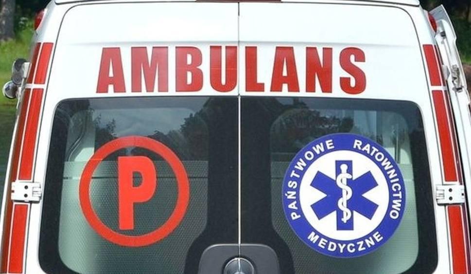 Film do artykułu: Wypadek na drodze w Rosochach. Jedna osoba trafiła do szpitala