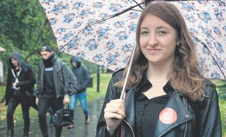 Anna Woźnicka, przewodnicząca zarządu ESN UŁ, zachęca do zgłaszania się do tej organizacji.