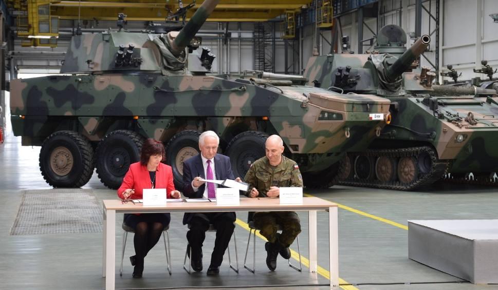 Film do artykułu: Huta Stalowa Wola przekazała dwie armatohaubice krab mazurskiemu pułkowi artylerii