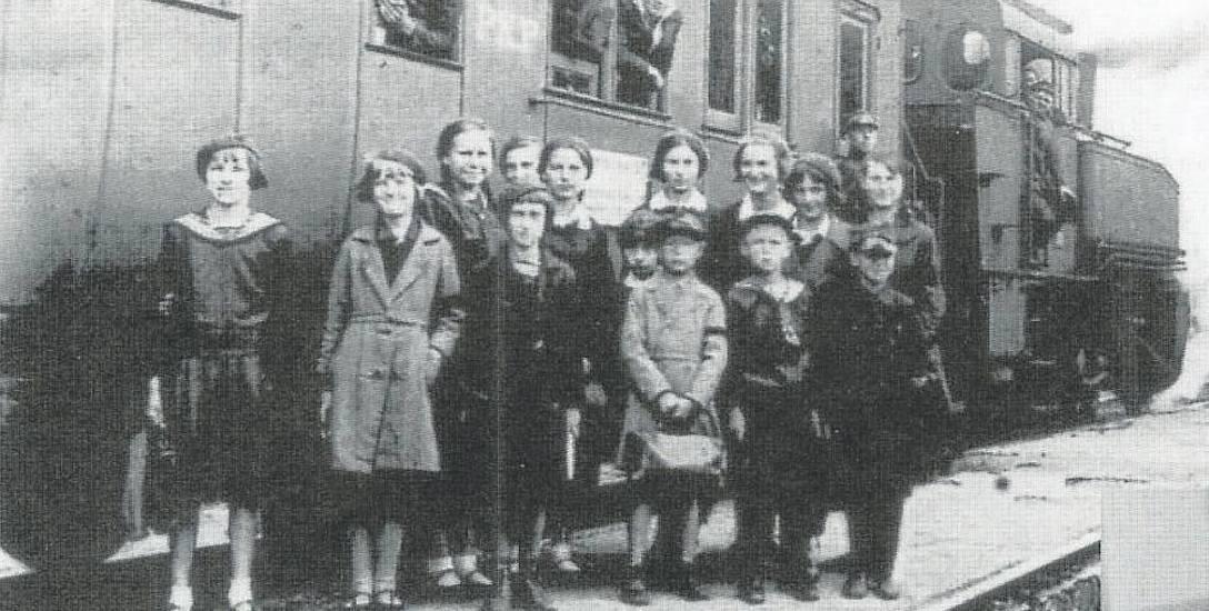 Pociąg zwany szkolnym, którym codziennie dojeżdżali uczniowie z Czeremchy do Bielska Podl. Z pewnością korzystał z niego i S. Przyłucki Reprod. z: Z.