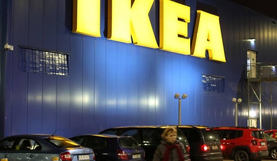 Film do artykułu: IKEA - OGROMNA ZMIANA i nowe możliwości dla klientów! IKEA I PYSZNE.PL Klopsiki z IKEA z dostawą do domu?
