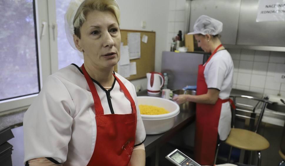 Film do artykułu: Stowarzyszenie Ku Dobrej Nadziei: Bezdomni potrzebują jedzenia, brakuje nawet ziemniaków... [WIDEO, ZDJĘCIA]