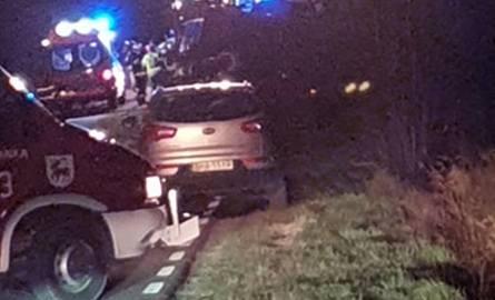 Trześcianka. Wypadek na DW 685. Zderzyły się ciągnik rolniczy, samochód ciężarowy i auto dostawcze. Droga zablokowana [ZDJĘCIA]
