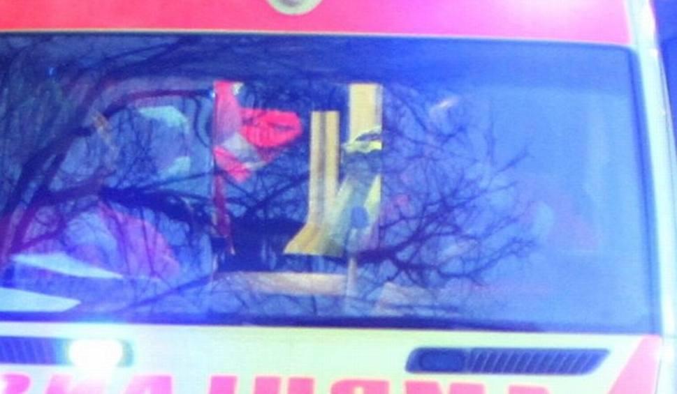 Film do artykułu: Czołowe zderzenie opla i volkswagena w Kielcach. Do szpitala pojechała jedna osoba