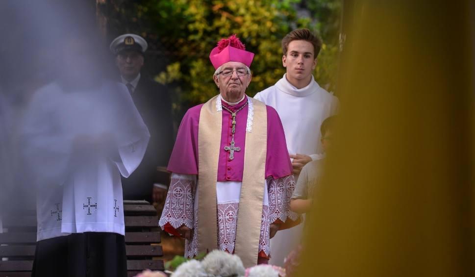 Film do artykułu: Arcybiskup Leszek Sławoj Głódź gościem konferencji o godności człowieka. Pojawi się na niej również abp Jędraszewski