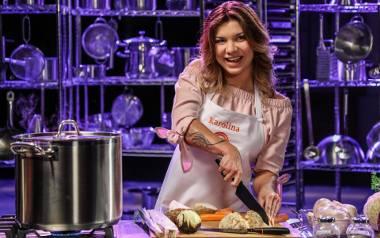 Karolina Kowalewska jest prawdziwym samoukiem w kuchni. Udziałem w MasterChefie realizuje swoje marzenia o gotowaniu