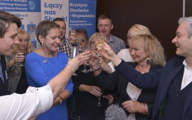 Wyborcze zwycięstwo traktują jako formę  przełamania partyjnego duopolu PiS i PO