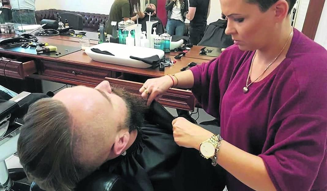 Bernadetta Dumniec Właścicielka Salonu Fryzjerskiego Barber Shop