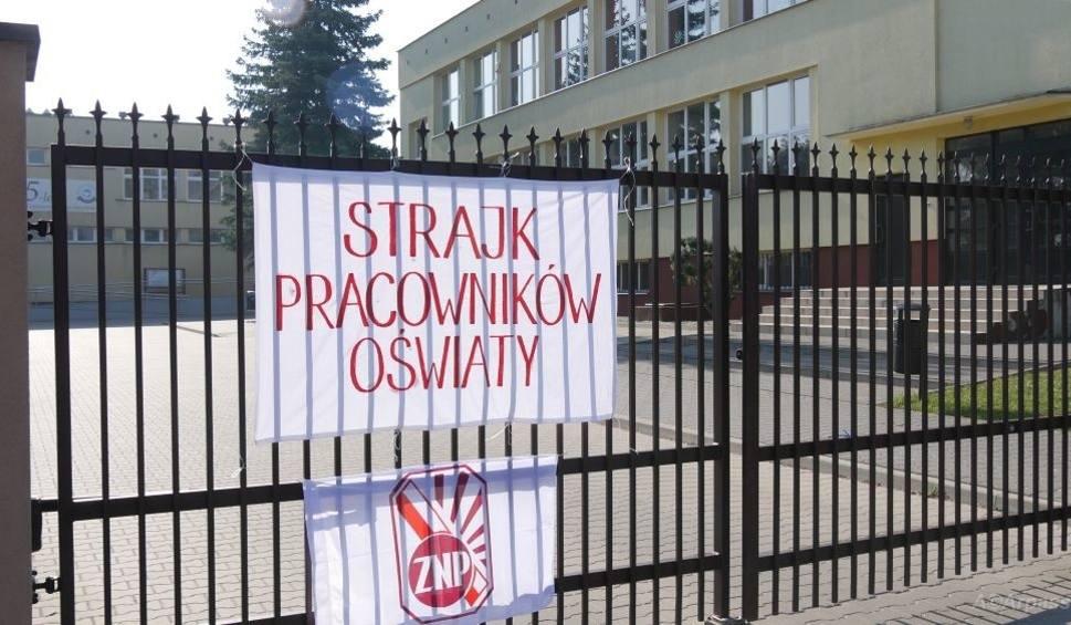 Film do artykułu: Strajk nauczycieli 2019 w Kozienicach. W których szkołach odbędą się lekcje?