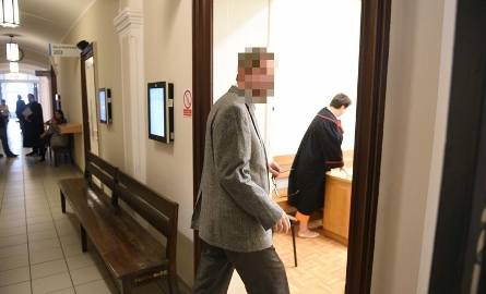 Piotr Sz., były dyrektor szkoły w gm. Kijewo Królewskie, został dziś prawomocnie skazany na 2 lata więzienia za seksualne wykorzystywanie chłopca. -