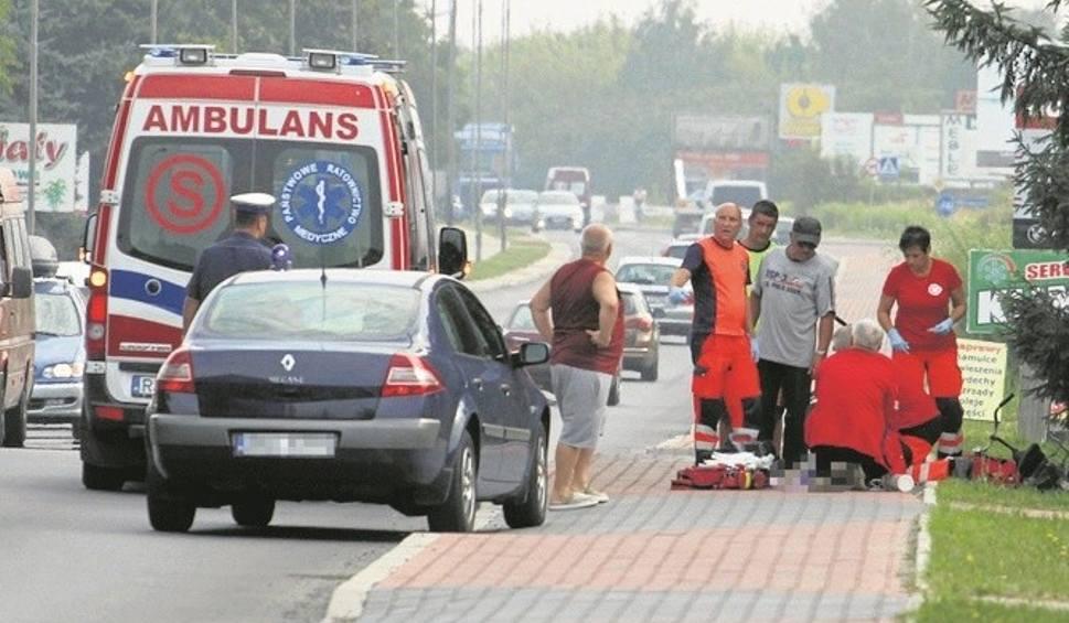 Film do artykułu: Dramat na ulicy w Tarnobrzegu. Mężczyzna zasłabł, upadł i zmarł
