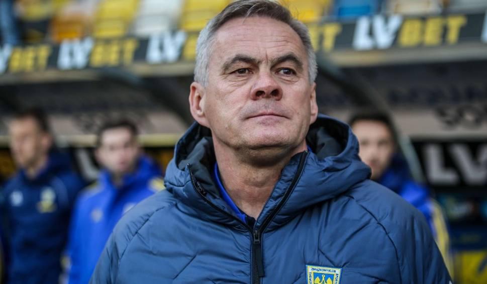 Film do artykułu: Oficjalnie: Jacek Zieliński zostaje w Arce Gdynia na kolejny sezon. Wiemy, kiedy drużyna wróci do treningów
