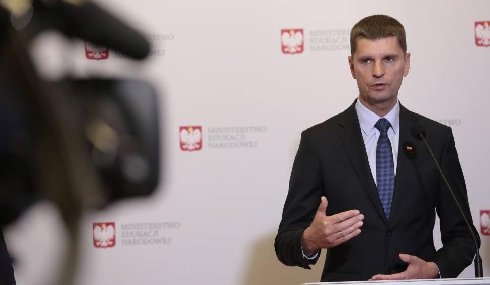 Film do artykułu: Premier złoży dziś dymisję rządu. Podlaski poseł Dariusz Piontkowski będzie szefem MEN także w nowym rządzie