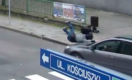 Potrącenie w Jastrzębiu na przejściu dla pieszych. Kobieta mogła zginąć