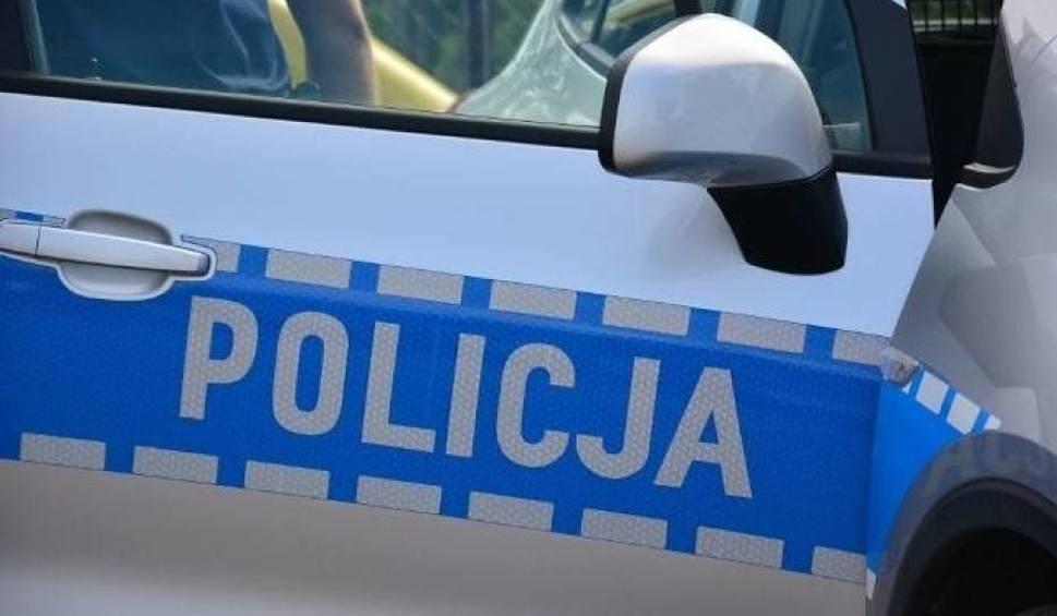 Film do artykułu: Spał na  przystanku autobusowym w Kielcach. Trafił do... aresztu śledczego
