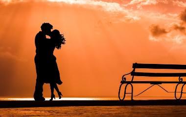 Szukasz muzyki na romantyczny wieczór we dwoje? Sprawdź koniecznie nasz ranking. Wybraliśmy dwadzieścia polskich piosenek, które śmiało możesz włączyć