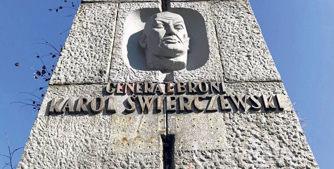 Słynny pomnik Karola Świerczewskiego w Bieszczadach do wyburzenia