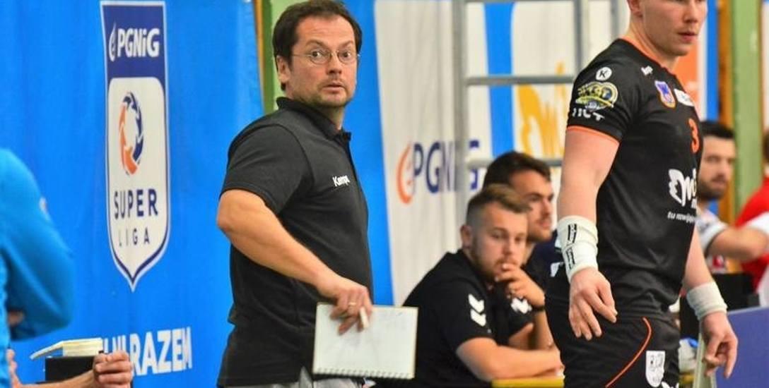Drużyna Tomasza Sondeja przegrała pięć na sześć meczów