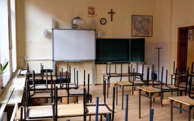 Czy szkoły ze stref żółtych i czerwonych będą od września funkcjonowały inaczej niż pozostałe? Ministerstwo Edukacji Narodowej nie podaje na razie w