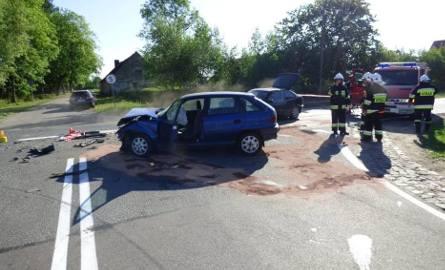 Wypadek w Stołcznie na drodze krajowej nr 25. Cztery osoby poszkodowane [ZDJĘCIA]